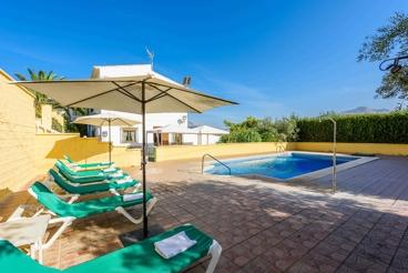 Casa de vacaciones para 15 personas en las afueras de Casabermeja