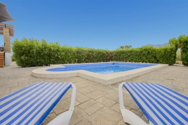 Nice decorated house with private pool and large garden