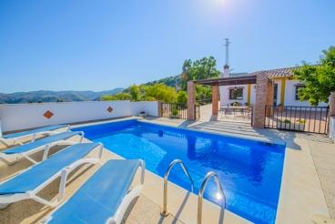 Casa típica andaluza con piscina y unas vistas impresionantes