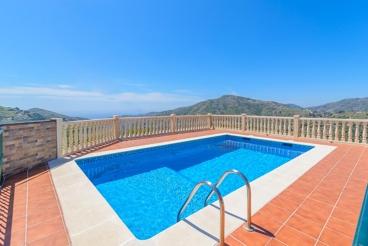Nice villa with spacious outdoor between Frigiliana and Competa