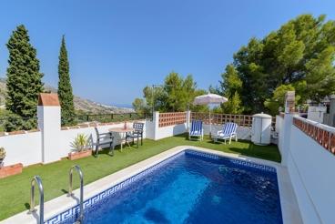 Typisch Andalusisch vakantiehuis met zeezicht