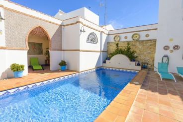 Stylish villa with a charming Arabic design with private pool