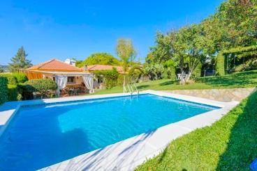 Hübsches Ferienhaus mit Garten und Pool in der Provinz Cadiz