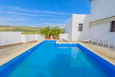 Típica casa de vacaciones de estilo rústico para cuatro personas