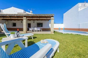 Ferienhaus mit sichtgeschütztem Garten südlich von Sevilla