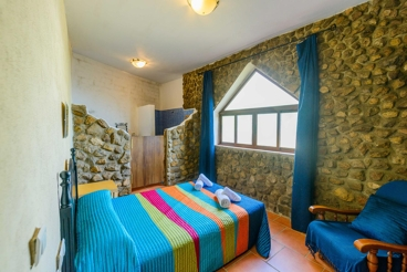 Quaint 6-people holiday home with outdoor Jacuzzi in Seville province