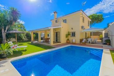 Casa rural elegante, moderna y muy luminosa, cerca de la playa