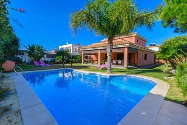 Villa a 100 metros de Cala Encendida, en la Costa de la Luz