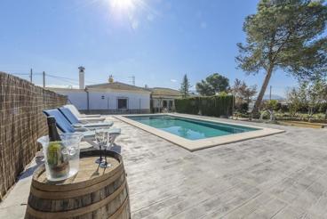 Modernes Ferienaus auf dem Land in Andalusien