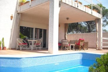 Villa de vacaciones para seis personas cerca de la playa - 50 km de Portugal