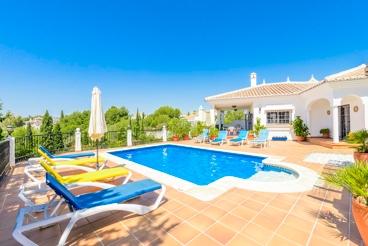 Charmante luxe villa in Frigiliana, in de buurt van het strand