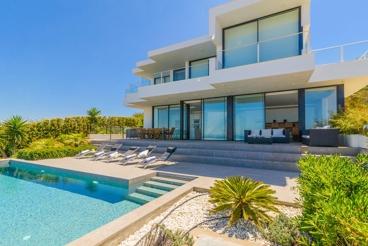 Luxury villa with Infinity pool near the beach in Zahara de los Atunes