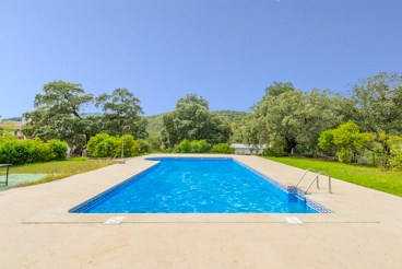 4-bedroom holiday home with barbeque and garden north of Andalucia