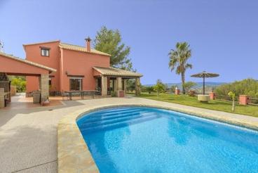 Spectacular villa with magnificent indoor area