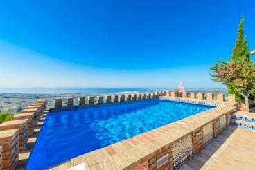 Ferienhaus in Strandnähe mit wunderschönem Pool