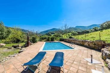 Casa rural con amplios dormitorios en plena Serranía de Ronda