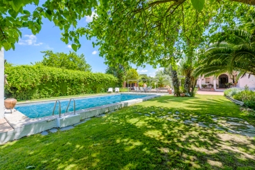 Pretty holiday home with beautiful garden in Ubeda