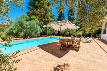 Spacious villa with gorgeous outdoor patio