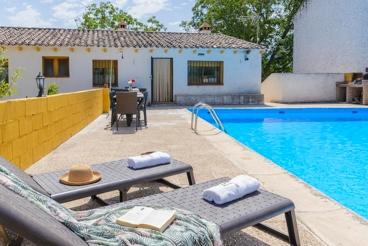 Casa de vacaciones con 2 chimeneas para 12 personas y mascotas