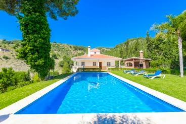 Fantastic villa with staggering garden