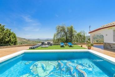 Ruime vakantievilla met zwembad in romantische omgeving vlakbij Marbella