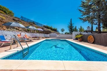Casa rural con estilo y gran piscina - ideal para grupos