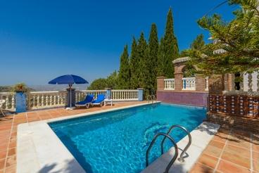 Prachtige villa met schitterend uitzicht over de bergen