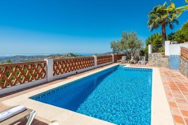 Beautiful house with sea views in Frigiliana