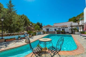 Sfeervol vakantiehuis vlakbij het strand & met zwembad in de buurt van Frigiliana