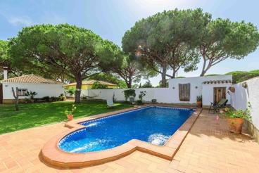 Casa de vacaciones completamente vallada en la Costa de la Luz