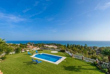 Magnificent villa near the beach with staggering sea views
