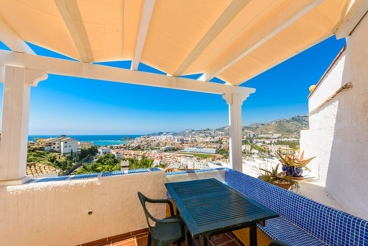 3-bedroom holiday villa with gorgeous terrace in Almuñécar city centre
