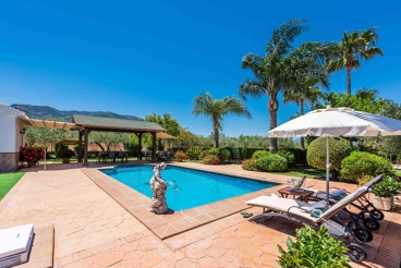 Fantastic holiday villa with heated private pool and spectacular outdoors