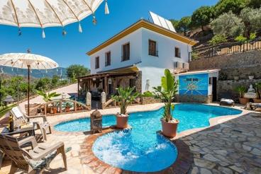 Splendid family-friendly holiday villa in Malaga province