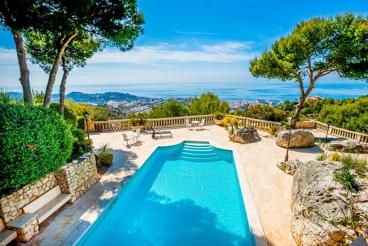 Luxe villa in Malaga met een adembenemend uitzicht, vlakbij het strand