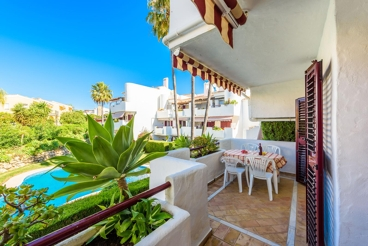Magnificent holiday apartment in a lovely complex in Estepona