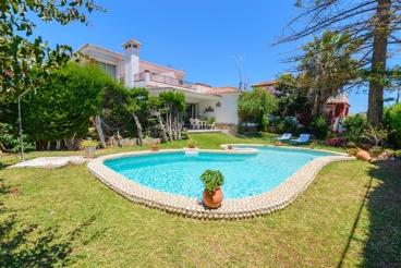 Rustic-style villa for seven people on the Costa del Sol