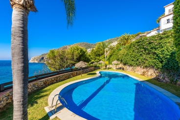 Staggering holiday villa on the Costa Tropical - a few metres from the beach