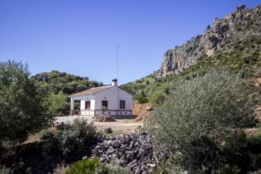 Acogedora casa rural en plena naturaleza, a pocos km del Caminito del Rey