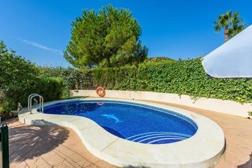 Preciosa casa con piscina y mesa de ping-pong