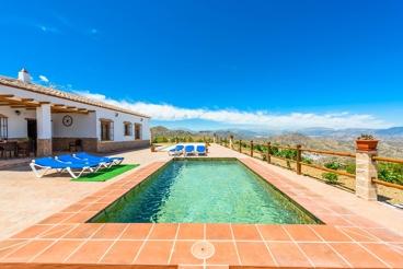 Modern vakantiehuis met fraai uitzicht op de bergen