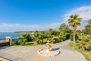 Indrukwekkende villa in de buurt van Malaga - privétoegang tot het strand