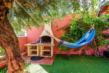 Holiday villa for ten people - 11 km from Seville city centre