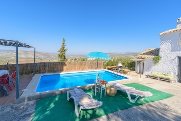 Holiday villa with private terrace and views in Jaen province