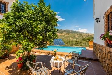 Típica casa de vacaciones andaluza para 15 personas en Rute
