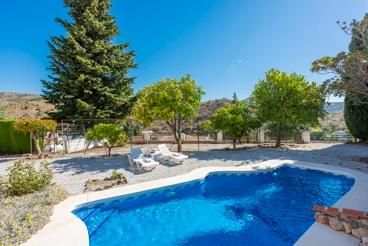 Maison avec internet et joli patio extérieur dans la région Axarquia