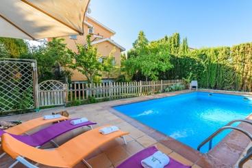 Espaciosa casa de vacaciones con WiFi a tan solo 12 km de Granada