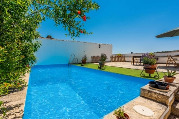 Open-plan holiday apartment for 4 people in Granada province