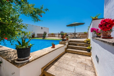 Snug holiday apartment for three people in Moclín