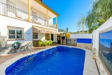 Gezellig vakantiehuis met omheind buitengedeelte - perfect voor tien personen